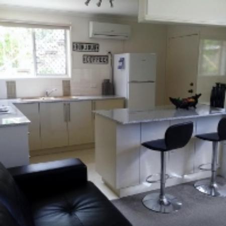 Bilinga, Australia: 1 Bedroom Executive Apartment Kitchen