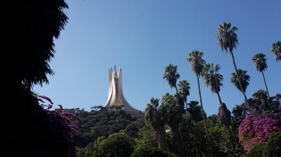 Algiers, Aljazair: vue depuis le jardin