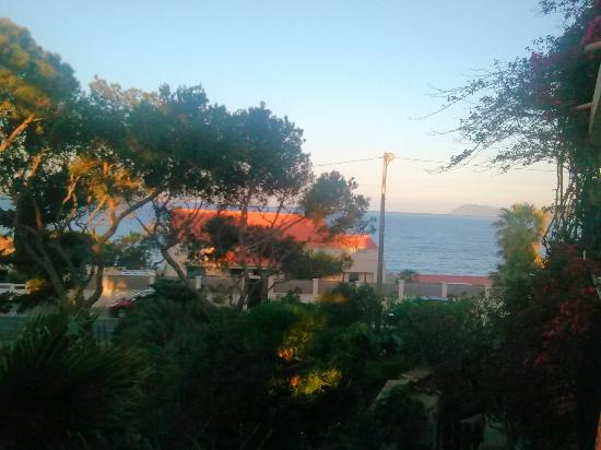 Hotel Port Helene: WE de pentecôte très agréable dans cet hôtel au personnel très accueillant et discret. Le jardin
