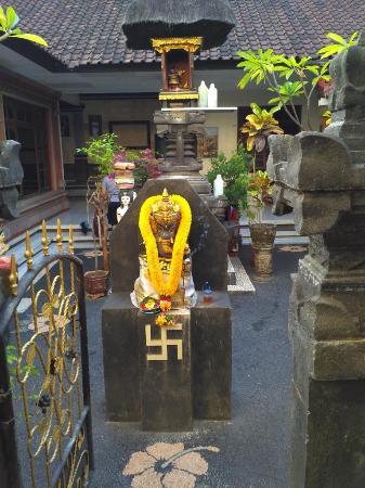 Samudra Homestay: Halaman GH