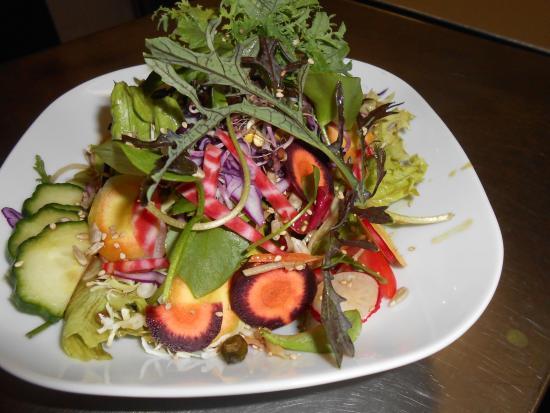 KARIN´S Essen für Leib und Seele: unsere bunten Salate, hmm