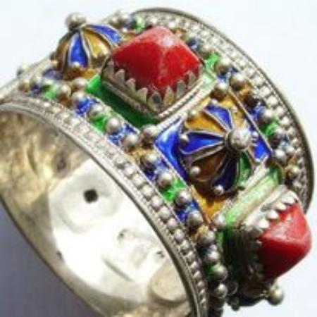 Souss-Massa-Draa Region, โมร็อกโก:  Jewelry has  exclusive  shapes and colors  in Souss Massa Morocco