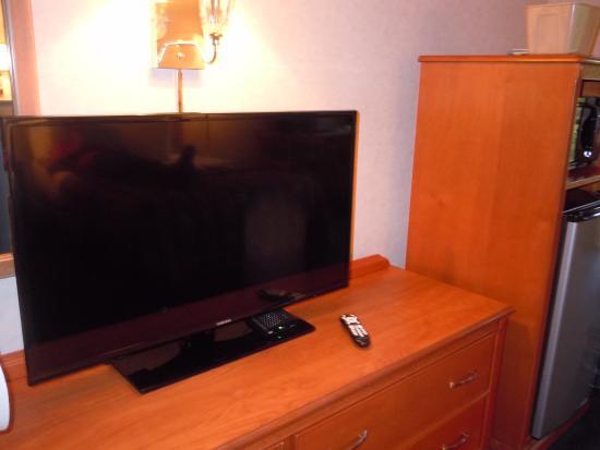 Twin Mountain Inn & Suites: TV