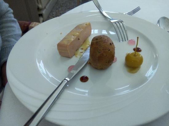 Hotel Moderne & Pigeon Restaurant: delice de foie gras et son petit pain brioché sur sa compote de coing
