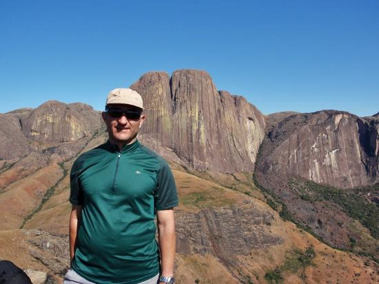 Ambalavao, Madagascar: In cima con vista Tsaranoro
