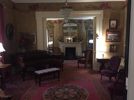 """Beaumont Inn: """"Silver"""" room in the main inn"""
