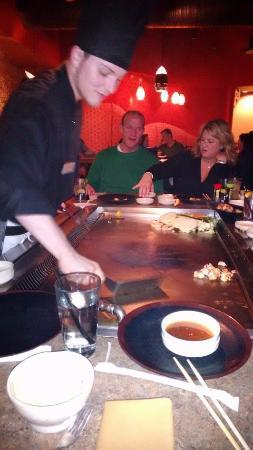 Nakama Japanese Steakhouse: kung-fu cooker!
