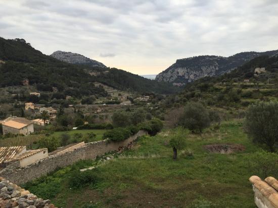 Es Petit Hotel de Valldemossa: Blick aus dem Zimmer Richtung Palma de Mallorca.