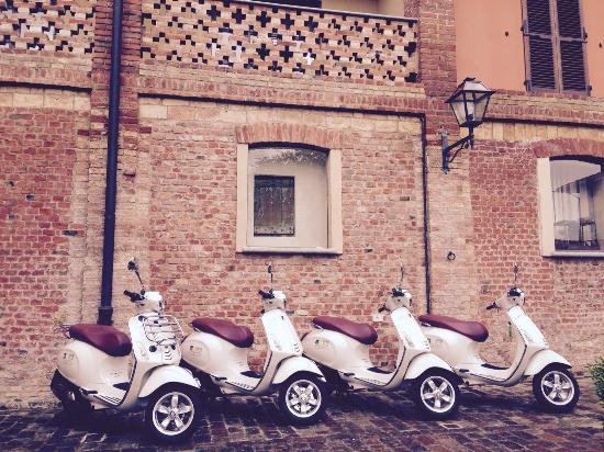 Hills & Wheels - Motorcycle and Vespa Rental - www