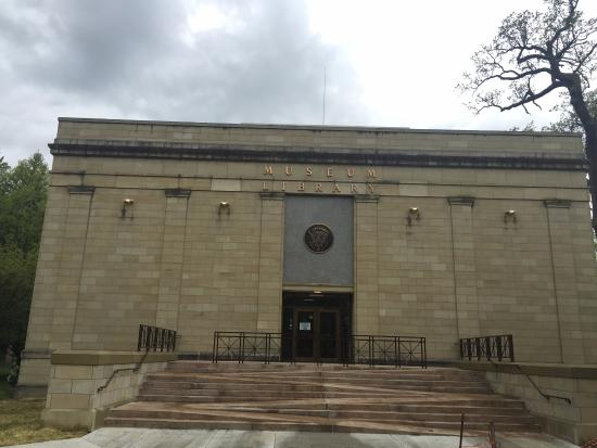 Fremont, OH: Rutherford B Hayes Presidential Center.