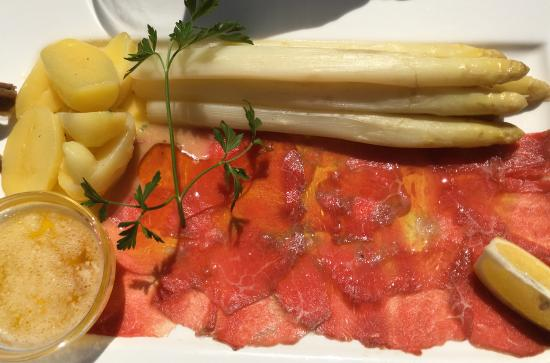 "Restaurant "" Marco & Momo"": Spargel/Rinder-Carpaccio/Kartoffel/Nussbutter"