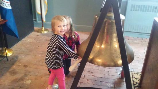 Custom House Maritime Museum : The fun really started when the kids were encouraged to get hands-on!