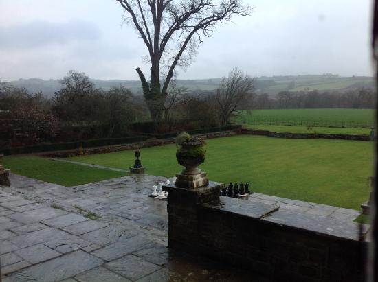 Llangoed Hall Restaurant: The grounds