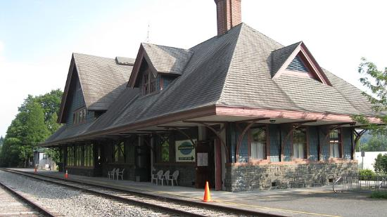 Adirondack Scenic Railroad: Saranac Lake Station