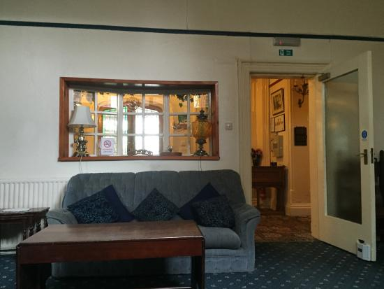 Beaucliffe Hotel: A lounge area (with table football)
