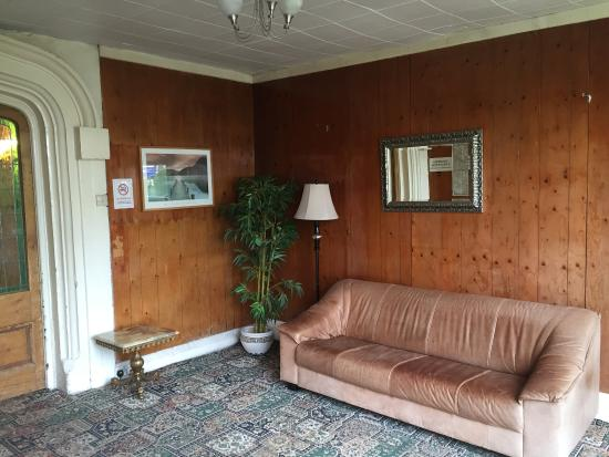 Beaucliffe Hotel: entrance reception 1
