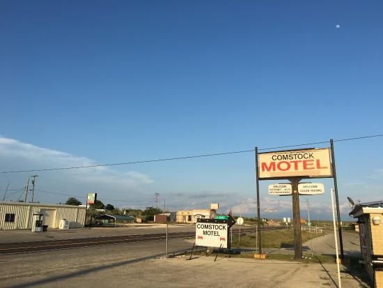 Comstock Motel: photo1.jpg