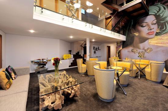 Camps Bay, Νότια Αφρική: lounge and breakfast room