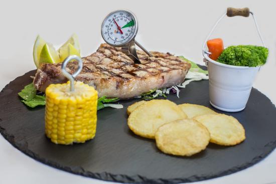 Marinos Restaurant: Pork Chop