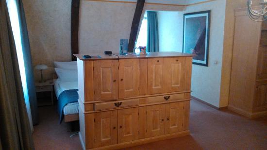 Suite N 31 Meuble Avec Tv Lcd 21 Visible Depuis Le Lit Ou Le Salon Picture Of Hotel Arminius Bad Salzuflen Tripadvisor