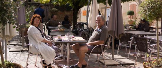 Simorre, Francia: terrasse