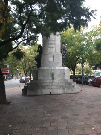 Monumento a Guillermo Rawson