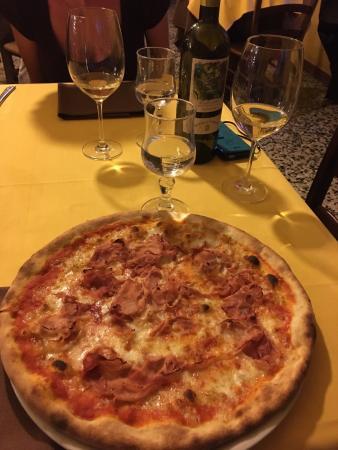 Castelnuovo Calcea, Italia: Veldig god mat! Hyggelig betjening!
