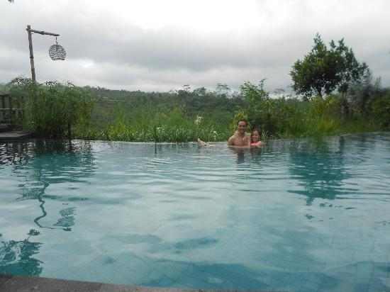 Tegalalang, Indonesia: Wonderful pool with a really nice view!
