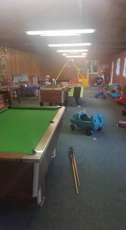 Wringworthy Cottages: Fantastic games barn for all ages