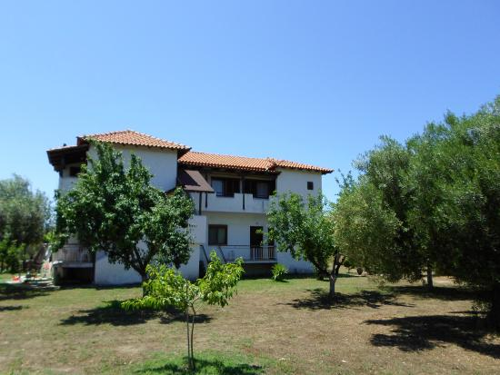 Bozelia Apartments