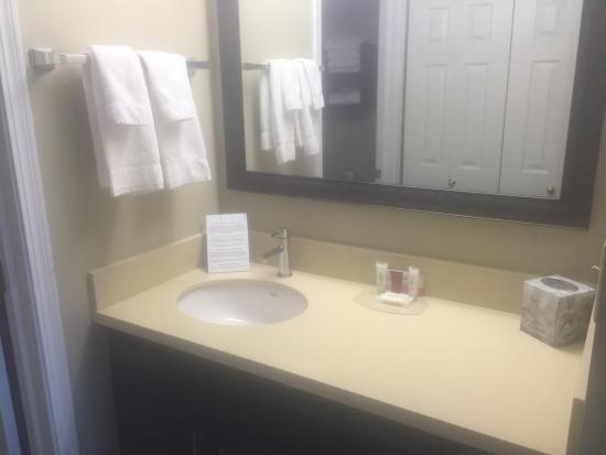 Staybridge Suites Fargo: Renovated One-Bedroom King Suite