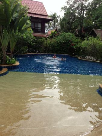 Rabbit Resort: kids pool