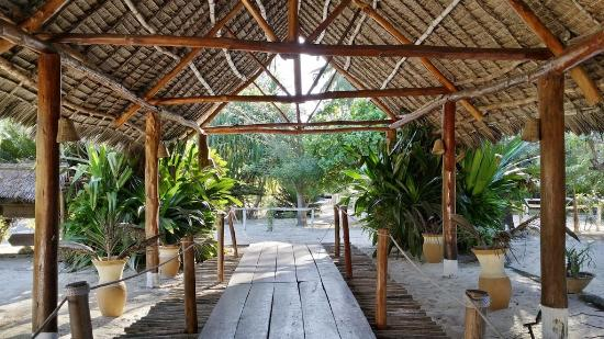 Hakuna Majiwe Beach Lodge Photo