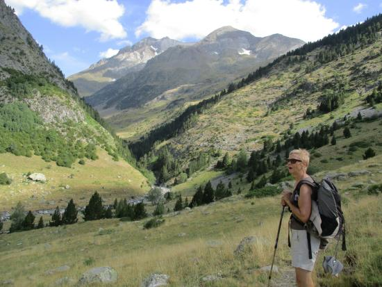 Torla, España: Val del Ara met Vignemale aan horizon