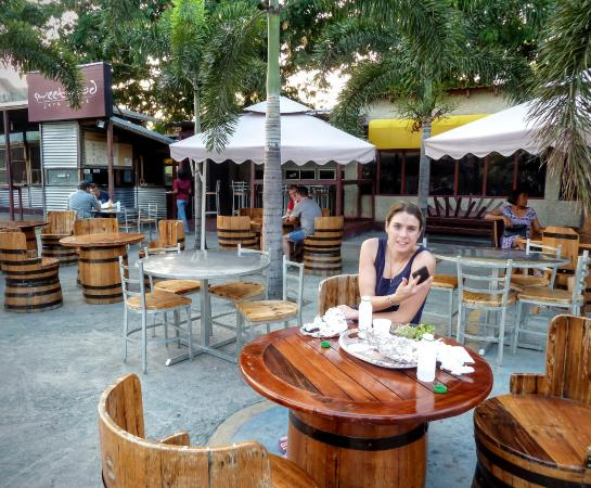 Scotchies Jerk Center: Outdoor dining