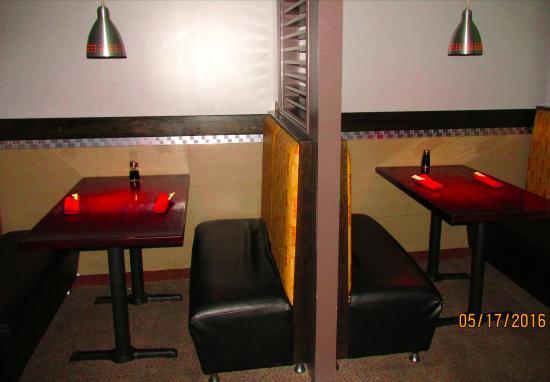 Aki Steak House and Sushi Bar : Dining area