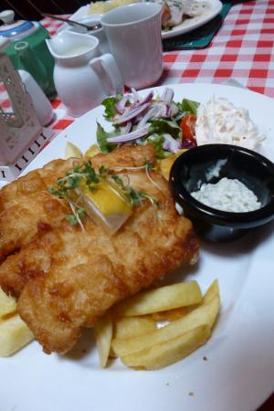 Clonbur, Irlanda: Burkes Bar and Restaurant