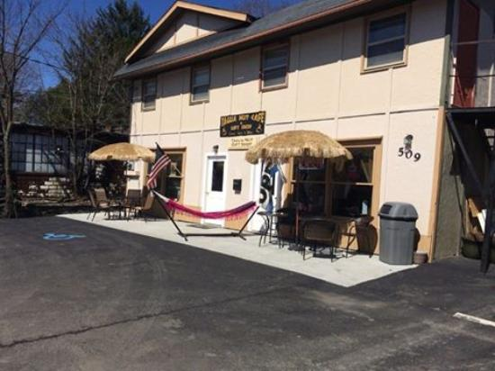 Cobleskill, NY: Check Out Our New Patio!