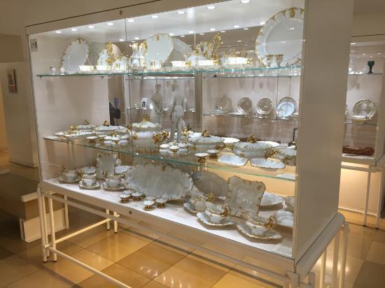 Hofburg: Silberkammer - Il servizio da tavola bianco dorato