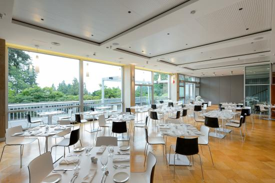 West Coast Suites at UBC: Sage Dining