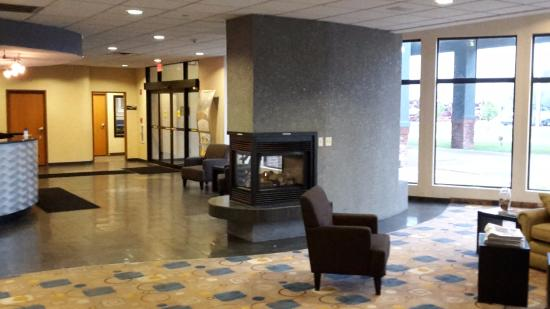 Portage, IN: lobby with a 'fireplace'