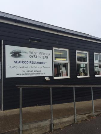 West Mersea Oyster Bar: Outside of the restaurant