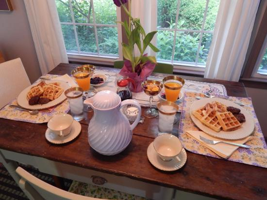 New Market, VA: The best breakfasts we've ever had at a B&B