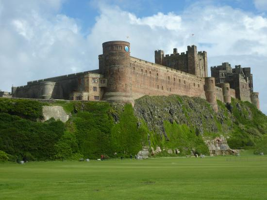 bamburgh castle dungeon - photo #36