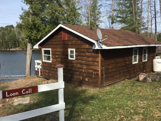 Barry's Bay Cottage Resort: Lakeside Cottages