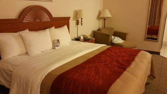 Quality Inn & Suites Limon: 20160517_230508_large.jpg