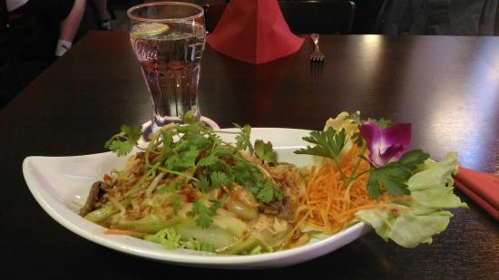 Lilly's Vietnam&Tai Cuisin