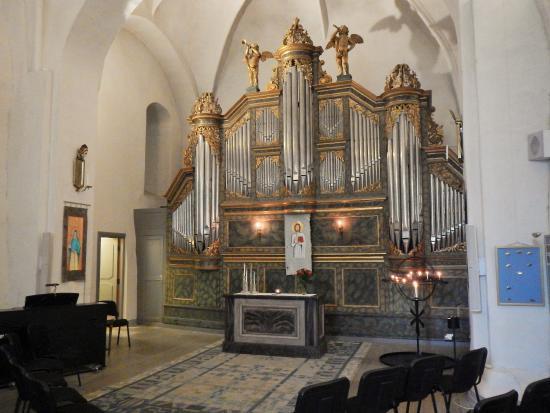 Kyrkogrdar och kapell - Nykpings frsamling - Svenska kyrkan