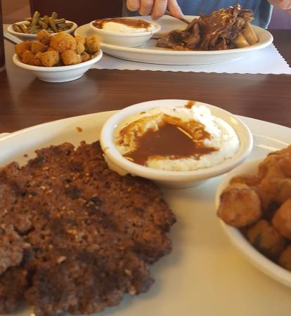 Lynn's Place: Open-faced roast beef, chopped steak, taters, beans & okra. Yum!