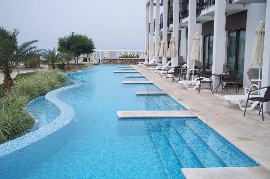 Jiva Beach Resort Swim Up Rooms